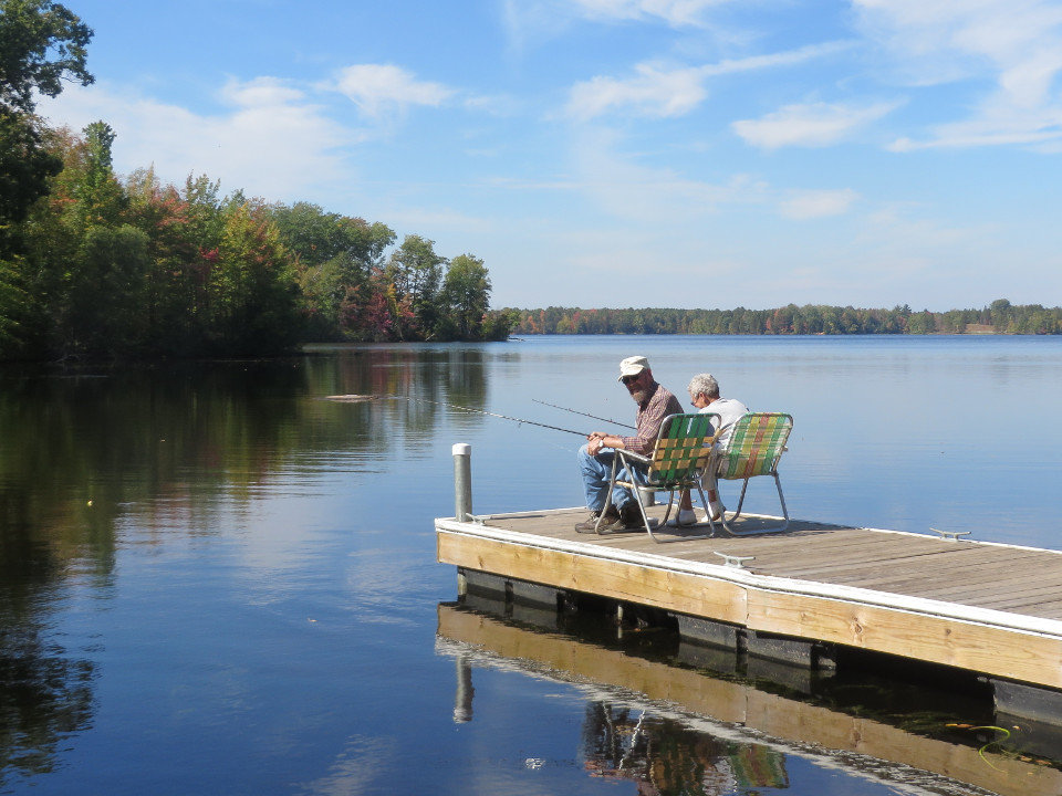 Riverview condo vacation rentals peshtigo river crivitz wi for Fishing cabin rentals wisconsin