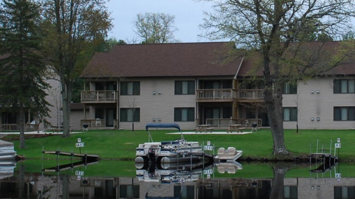 Lodging Peshtigo River Lodging